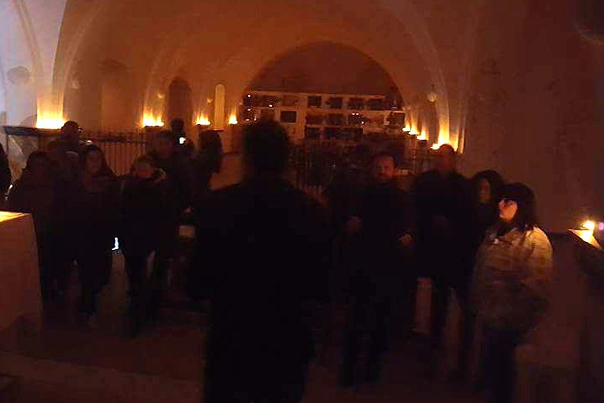 noche en la cripta